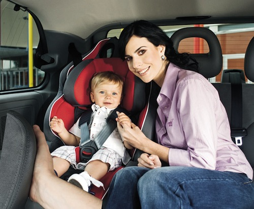 Как крепить детское автокресло?12