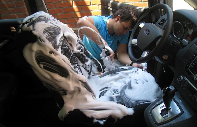 Чистка сидений автомобиля3