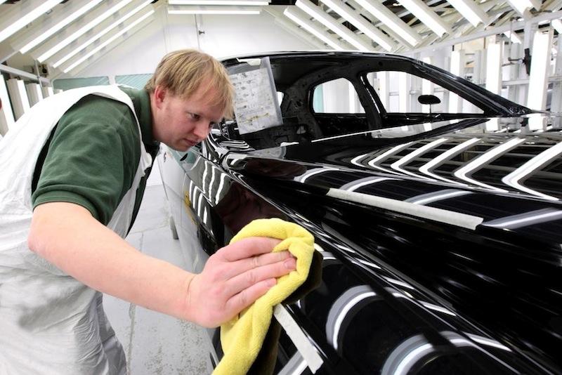 Как убрать царапины с машины своими руками