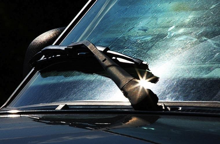 Уход за стеклами автомобиля5
