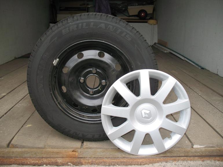 Как закрепить колпаки на колесах1