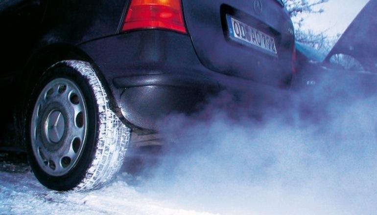 Почему машина сильно парит зимой
