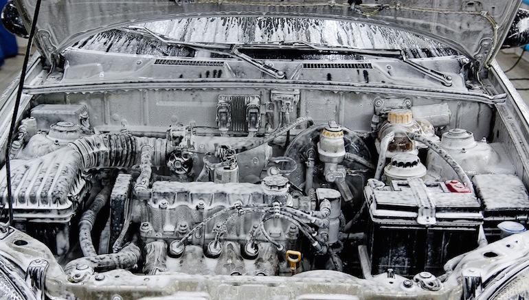 Мытье двигателя на мойке1