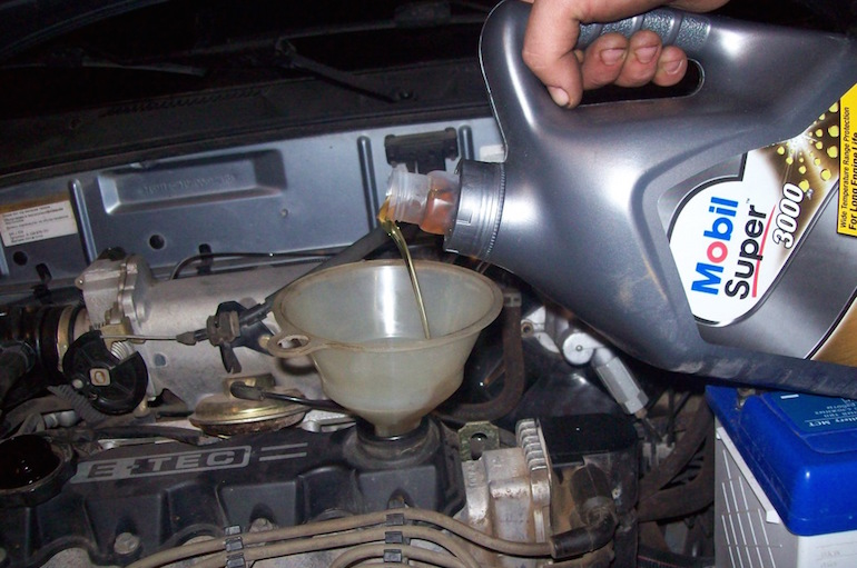 Промывка двигателя при замене масла1