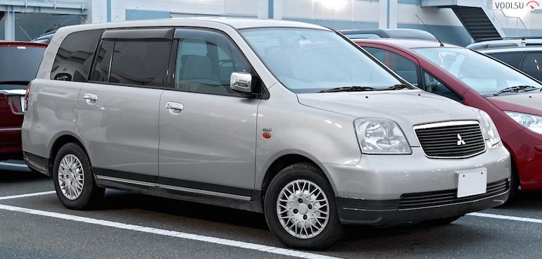 Mitsubishi Dion5432