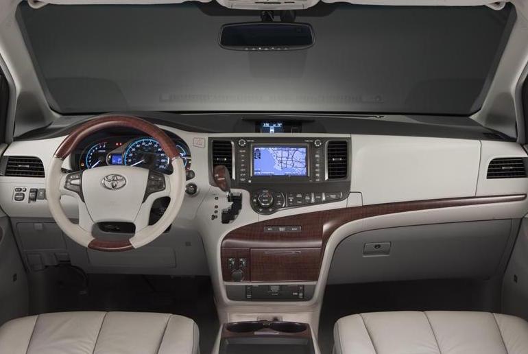Toyota Sienna5543