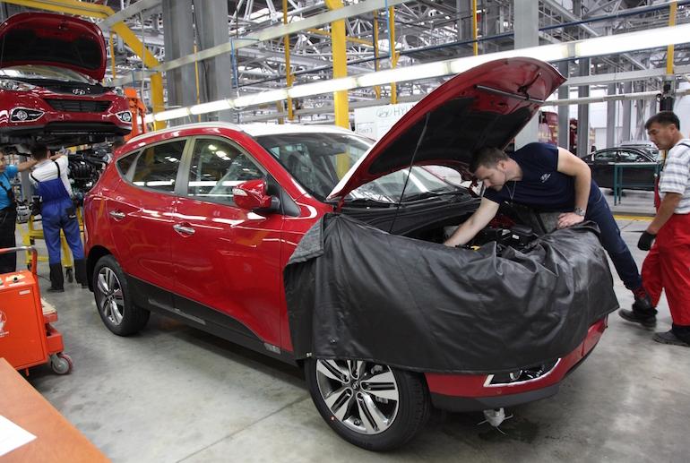 Сборка автомобилей в России6