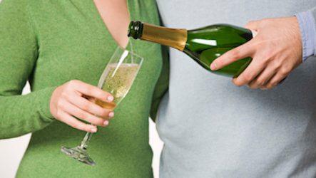 Шампанское: сколько выходит из организма?