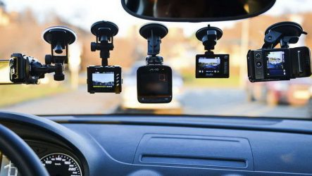 Регистраторы с двумя камерами, записывающие одновременно