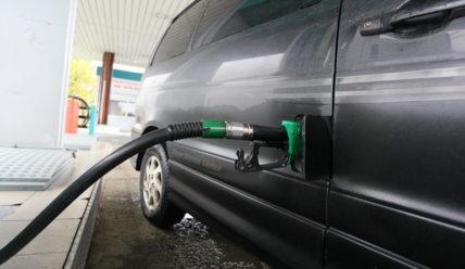 Почему дизельное топливо дороже бензина?